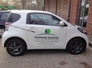 Firmenfahrzeug der R. Schäfer Garten- und Landschaftsbau GmbH